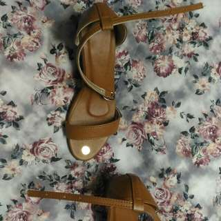 Tan - Brandnew Block Heels