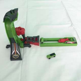 Hotwheels Micro Car and Launcher/Playset