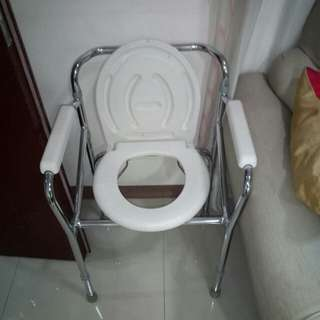 Toilet seat (Commode Chair)