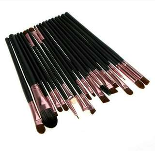 Make Up Brush Set isi 20 pcs (Black-Copy)