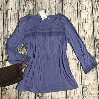 全新GAP女上衣,Xxs號,原價$899,肩*胸*長cm:37,43,60,版大