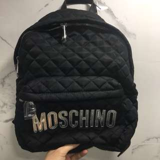 Moschino backpack 大size