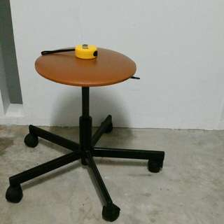 Adjustable Rolling stool typist chair