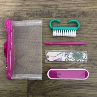 Travel manicure set