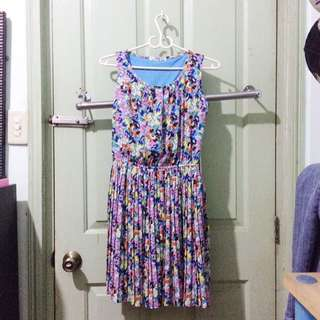 Pleated colorful dress