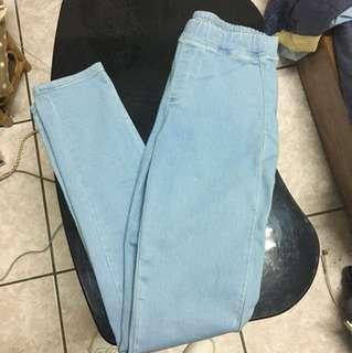 (全新剪吊牌) uniqlo淺藍牛仔窄管長褲