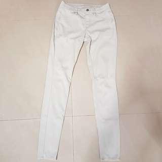 【Uniqlo】 white skinny legging pants