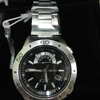 SEIKO 4R37-00V0手錶