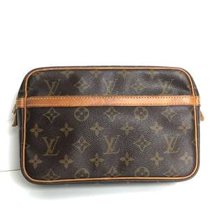 Preloved authentic louis vuitton clutch/pochette trocadero monogram