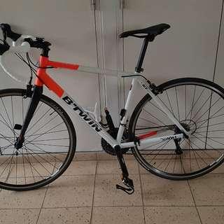 Road bike btwin triban 520