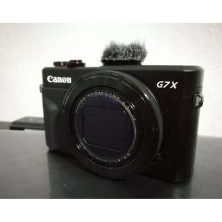 Canon G7x mark ii (only 3 months age, with extra battery)