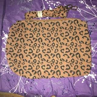 VF 83 leopard print bag