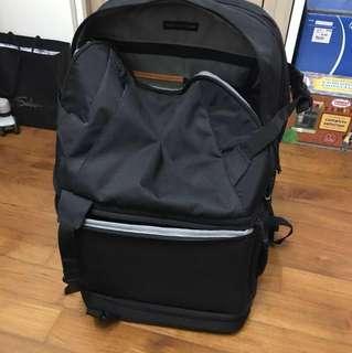 Lowepro DSLR cam backpack