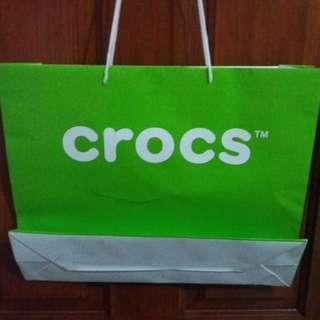 Paper bag Crocs ukuran besar