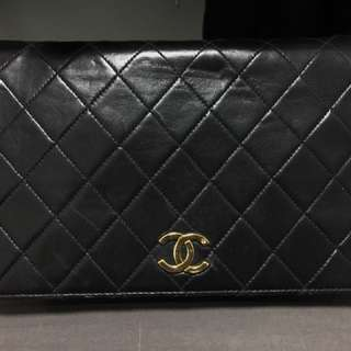 )Classic 2.55 Chanel Black Quilted Lambskin Shoulder purse