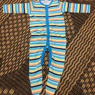 Baby romper/pyjamas
