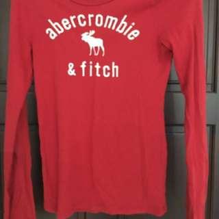 A&F紅色長袖