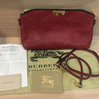 Burberry clucth merah