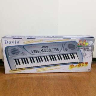 Davis Electric Piano Keyboard