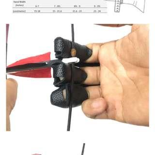 Arrouha™ Suede 3-Finger Glove
