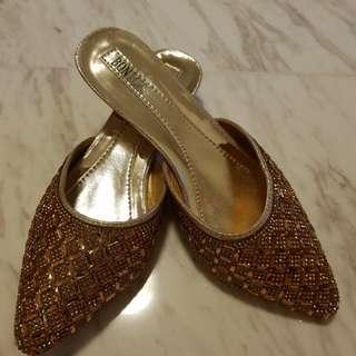 Brand new Nonya design slip on heel