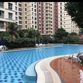 Looking for Room mate at Condo buangkok Mrt