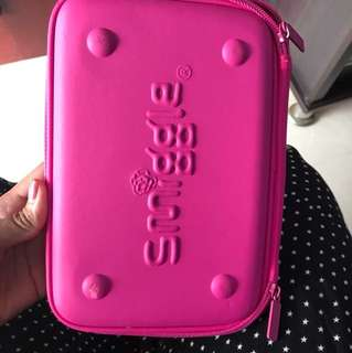 Smiggle all in 1 stationary holder