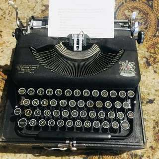 Antique imperial Typewriter