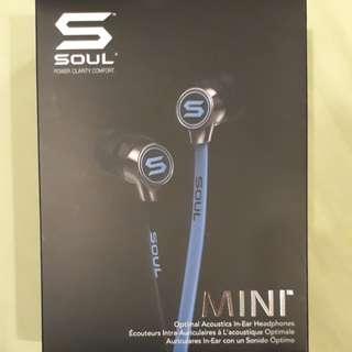 want sell quick cheap price/////SOUL EARPHONES