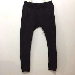 The executive jogger pants skinny fit