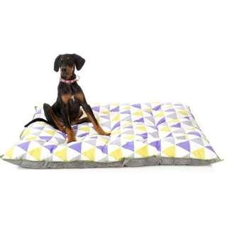 FuzzYard Rio Pillow Bed