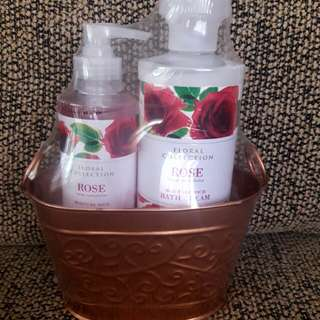 REPRICED!!! Bath Wash & Hand Wash Set