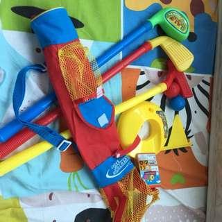 Golf 玩具 (九成新)內附球棒🏌🏻♂️🏌🏻♀️🏌🏻♂️三支及三個波)