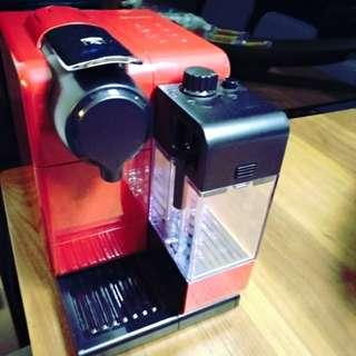 Nespresso 膠囊咖啡機 Lattissima Touch