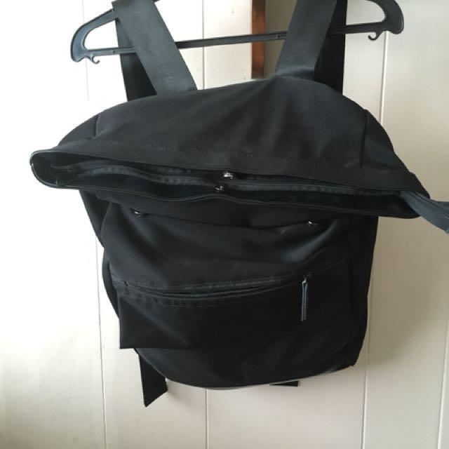 24:01 Neoprene black backpack