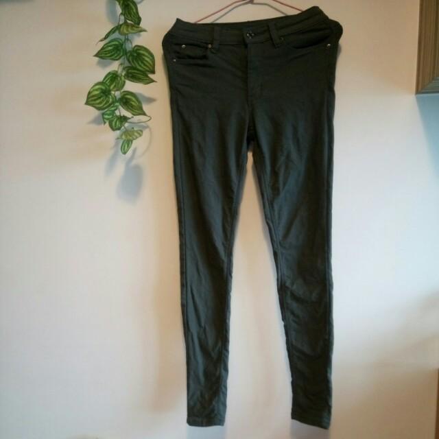 軍綠刷毛緊身褲