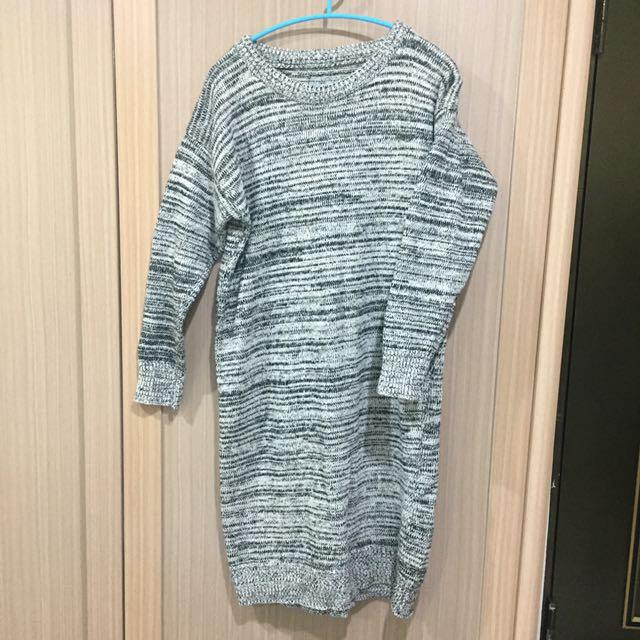 混紡灰色毛衣