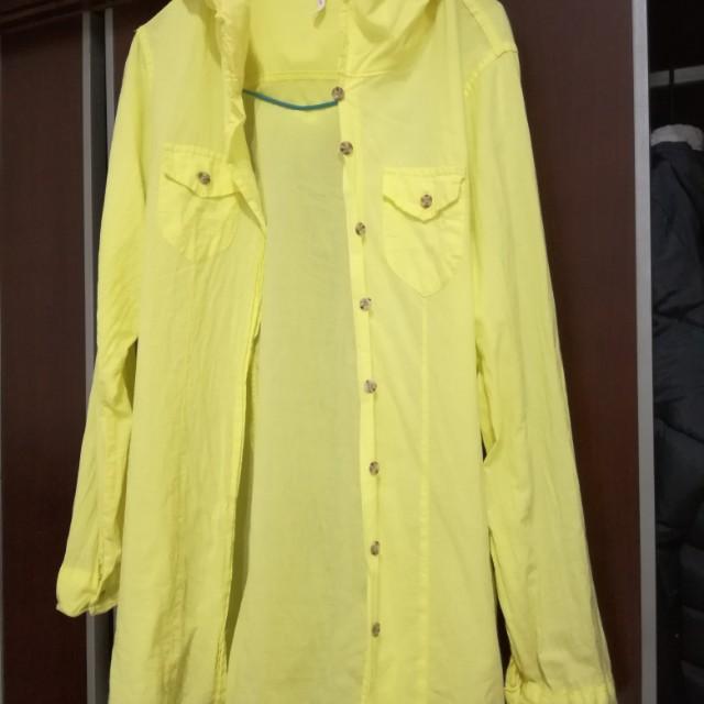黃色上衣薄外套