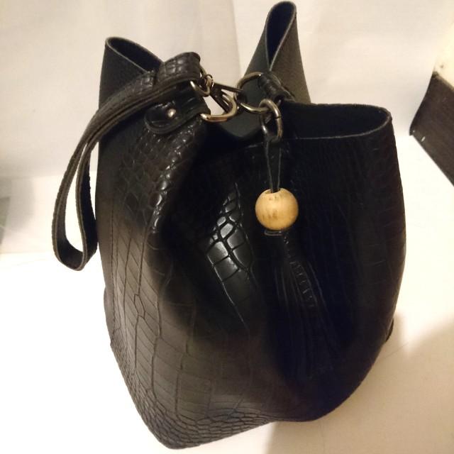 蛇紋手提水桶包