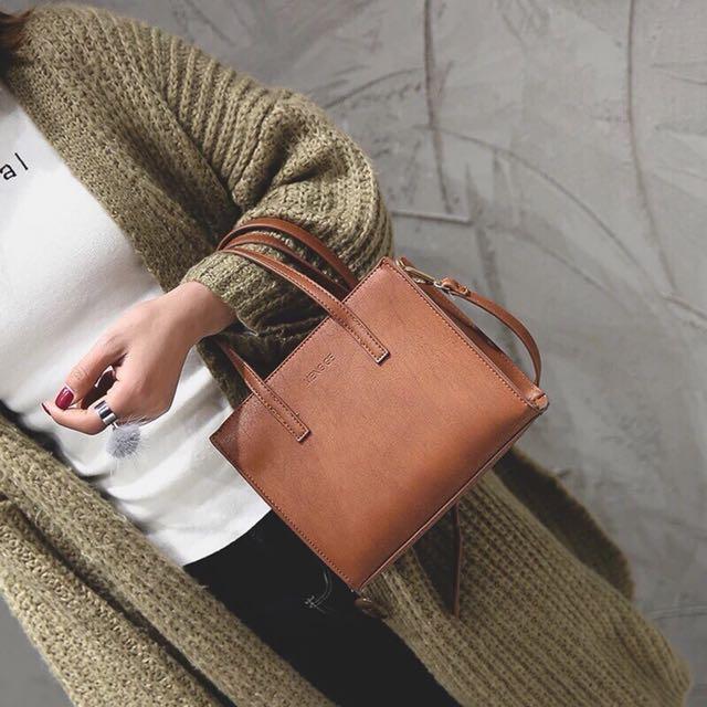 必備⬆️休閒簡約小方包手提包女包韓版時尚單肩包斜挎小包包潮黑色棕色側背包流行手拿包肩背包手提包全新