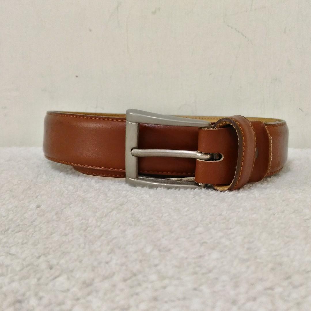 九成新~ 義大利製名牌 GIANFRANCO FERRE 深褐色 真皮皮帶 33 腰 以下皆可用 ~ 保證正品~