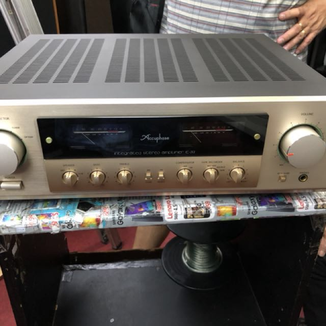 Accuphase amp E212