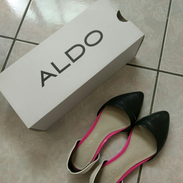 優質Aldo真皮撞色尖頭平底鞋 35號