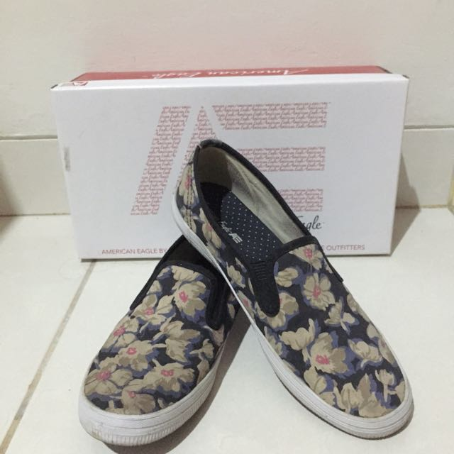 American Eagle Slip On