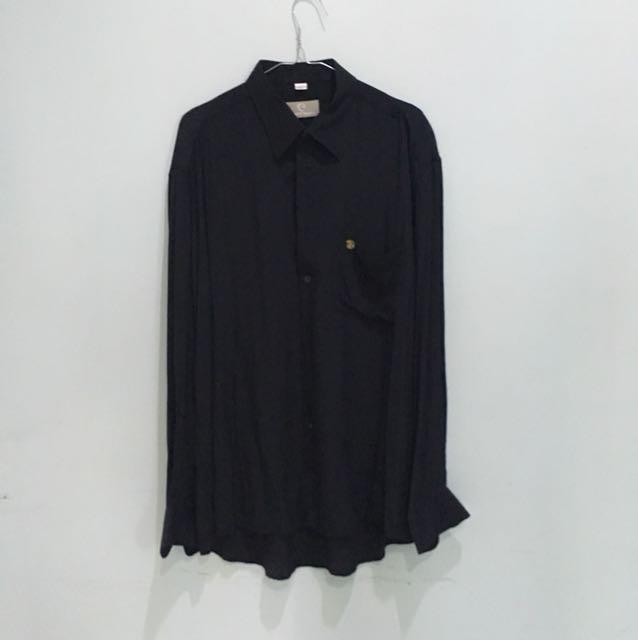 Baju kemeja hitam leone vomo