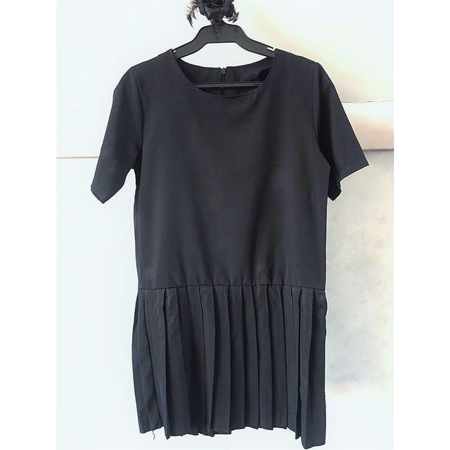 Black Pleated Short Dress