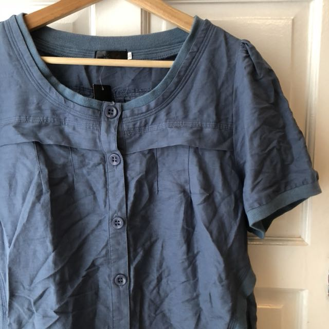 BNWT Button up blouse