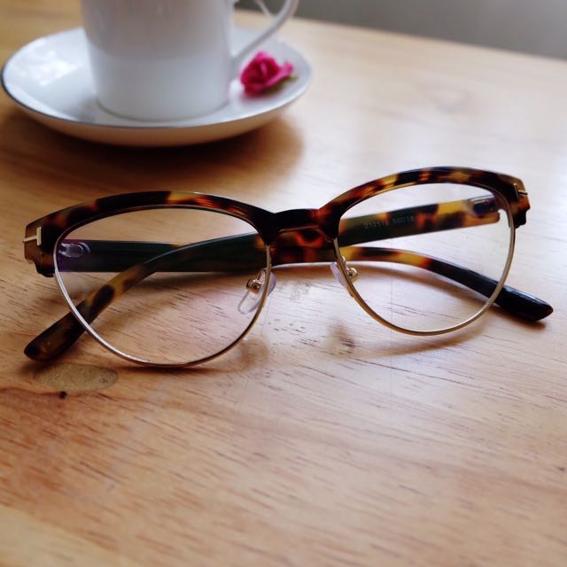 Cat-Eye Eyeglasses