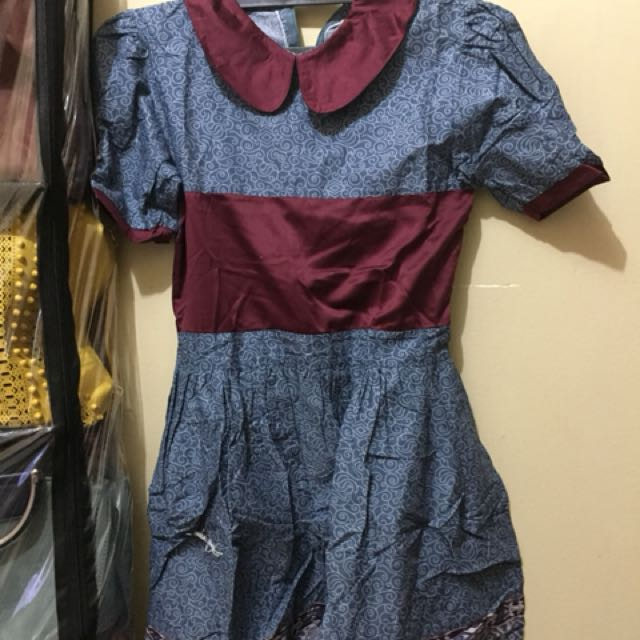 Dress batik biru marun