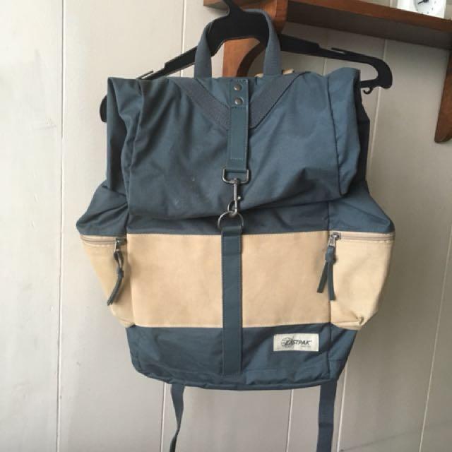 Eastpak Brisson Out Dirty Aqua rucksack